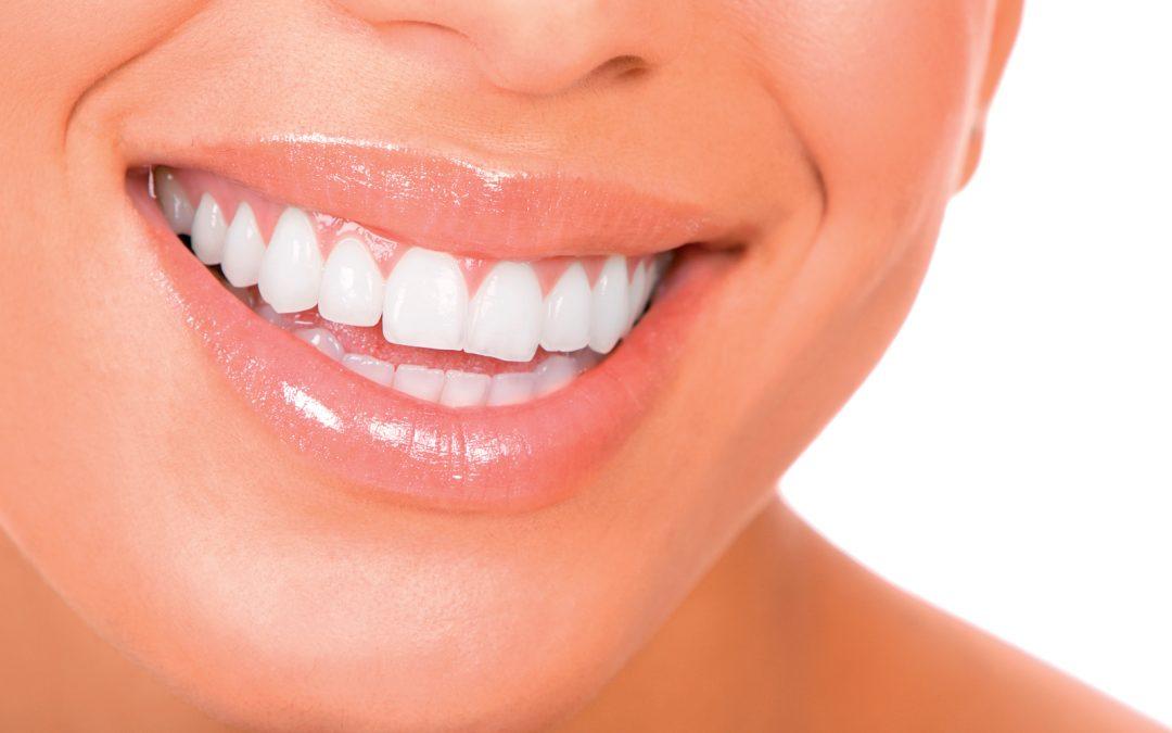 Se brosser les dents et sourire pour lutter contre la dépression hivernale !